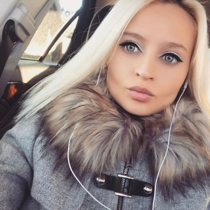 Russian Barbie Claims Her Beauty Is Natural (12 pics)