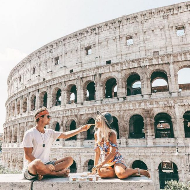 This Couple Makes Up To $9000 For Their Instagram Photos While Traveling (16 pics)