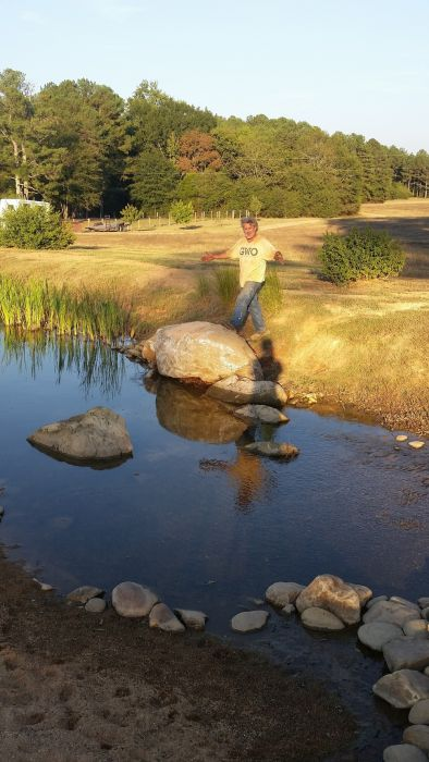 Man Creates His Very Own DIY Pond (38 pics)