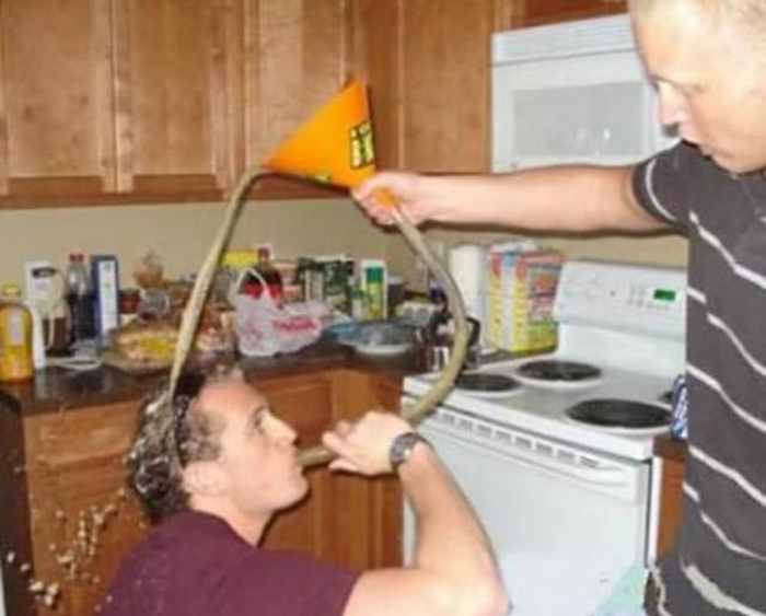When Partying Goes Very Wrong (35 pics)