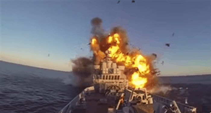 Navy Weapons That Are Ridiculously Dangerous (20 gifs)