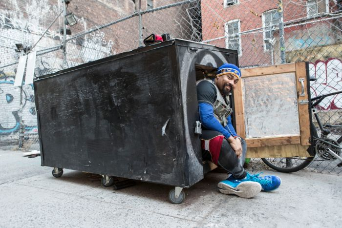 Homeless Guy Disguises His Home As A Dumpster (7 pics)