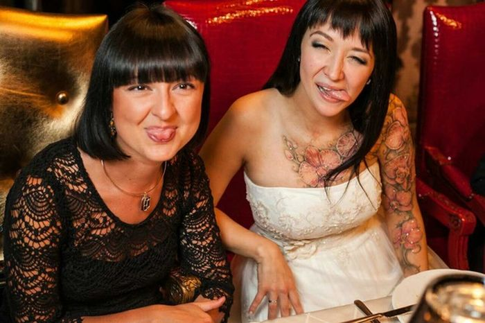 Beautiful Girl Uses Tattoos To Cover Up Her Scars (3 pics)