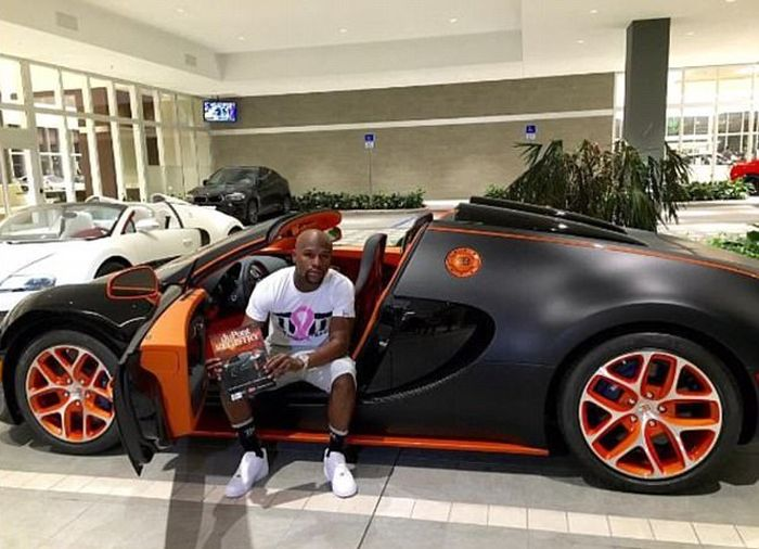 Floyd Mayweather Is Trying To Sell His Bugatti Online (3 pics)