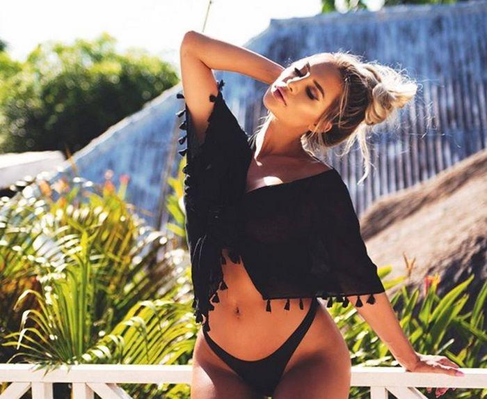 Gorgeous Rosanna Arkle Earns Good Money For Every Instagram Post (22 pics)