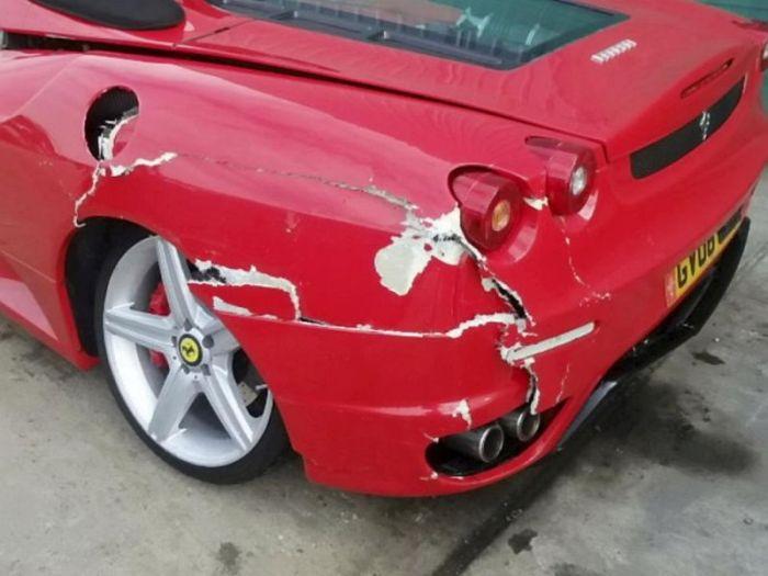 Fake Ferrari Conman Sent To Jail (3 pics)