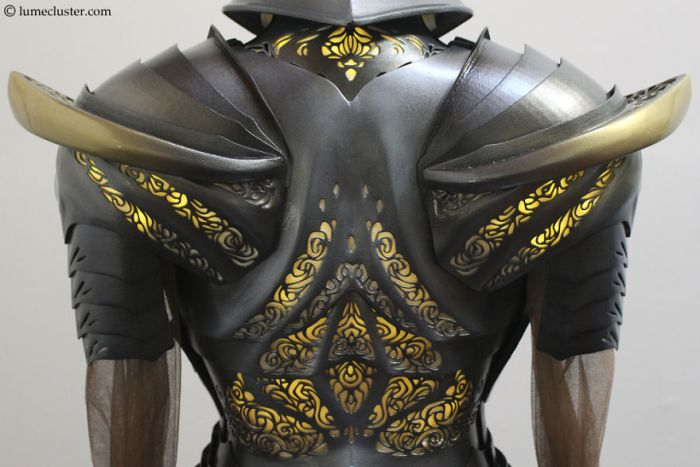 Woman Spends 518 Hours Making Futuristic Medieval Armor (17 pics)