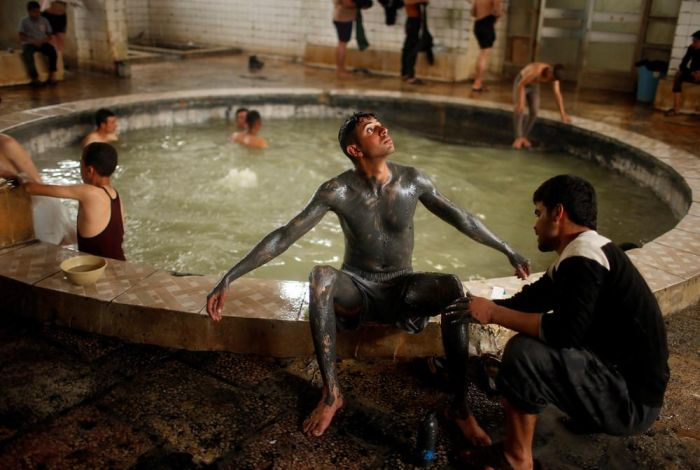 Photos That Show The Lives Of Citizens In Iraq (33 pics)