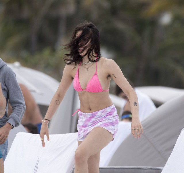 Madonna's Daughter Does Not Shave Her Armpits (8 pics)