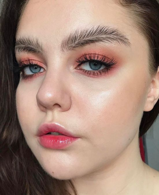 Feather Brows Is The Newest Viral Trend (10 pics)