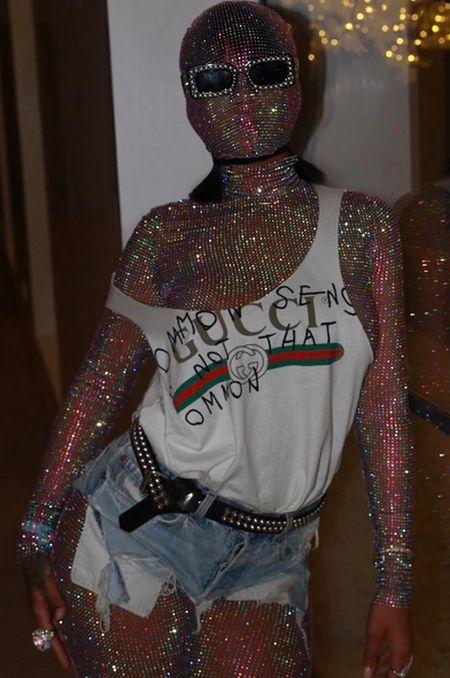 Rihanna Turns Heads With Strange Bodysuit At Coachella (2 pics)
