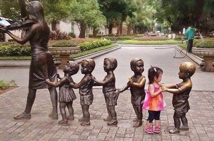 Fine Examples Of Photos That Say A Thousand Words And A Lot More (40 pics)