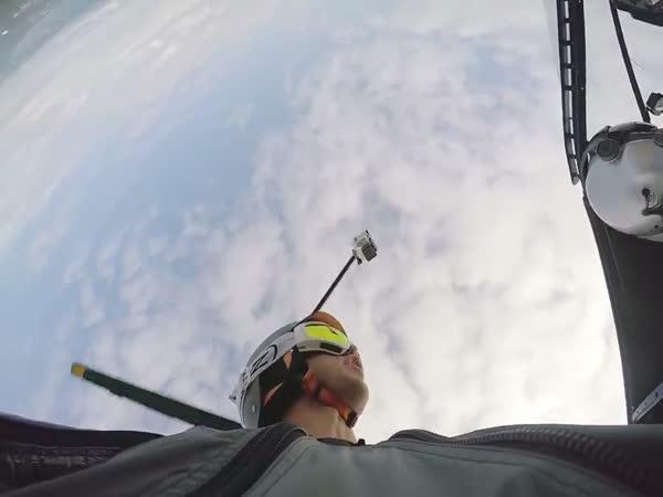 Flying Between Skyscrapers