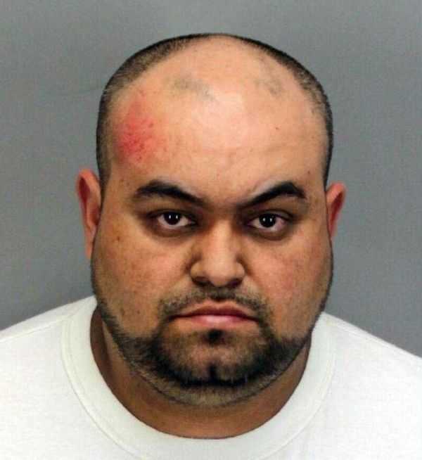 Pickpocket Gets Busted For Stealing 100 Phones At Coachella (2 pics)