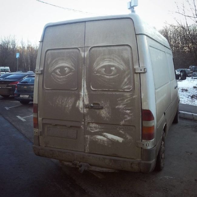 Dirty Car Owners Find Amazing Drawings On Their Vehicles (9 pics)