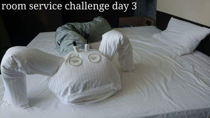 Guest With A Sense Of Humor Challenges Hotel Maids (17 pics)