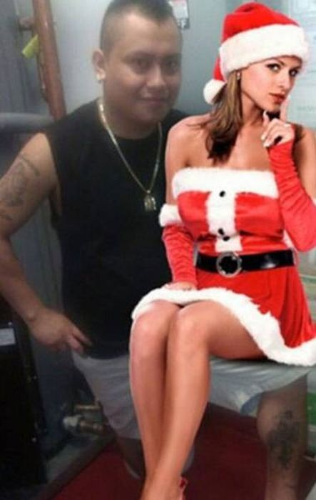 Photoshop Is Perfect For Guys Who Don't Have Girlfriends (21 pics)