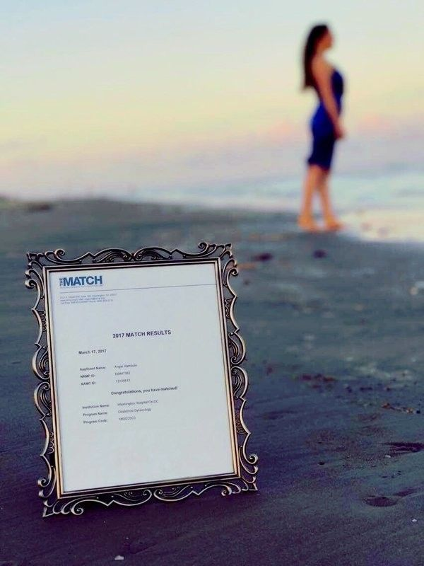 Woman Throws Herself A Special Ceremony On The Beach (8 pics)