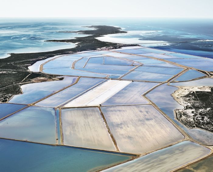 Photos Of Salt Fields That Will Take Your Breath Away (35 pics)