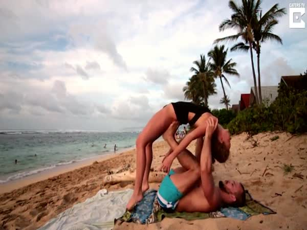 Man Proposes To Partner Mid Yoga Move In Hawaii