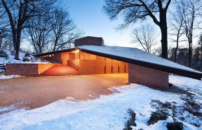 This House Is Frozen In Time (29 pics)