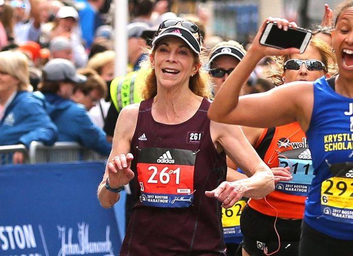 First Woman To Enter Boston Marathon Enters Again 50 Years Later (5 pics)