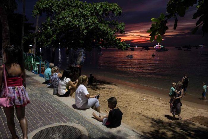 Inside Pattaya's Red Light District (21 pics)