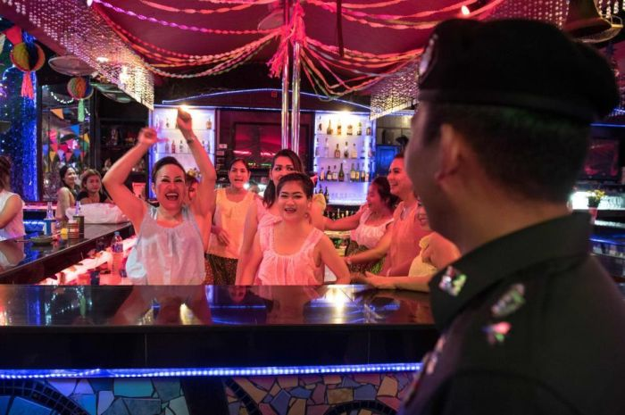 Inside Pattaya's Red Light District (21 pics)