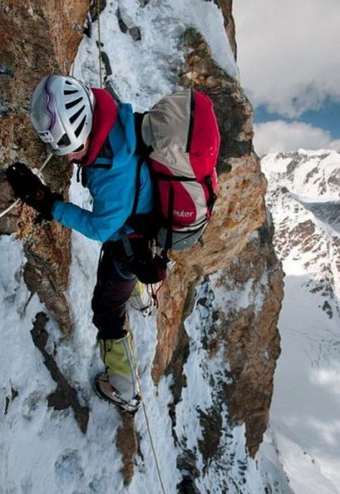 Brave Extreme Athletes Who Just Escaped Death (27 pics)