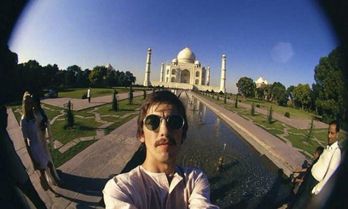Vintage Celebrity Selfies That Were Taken Before Smartphones (39 pics)