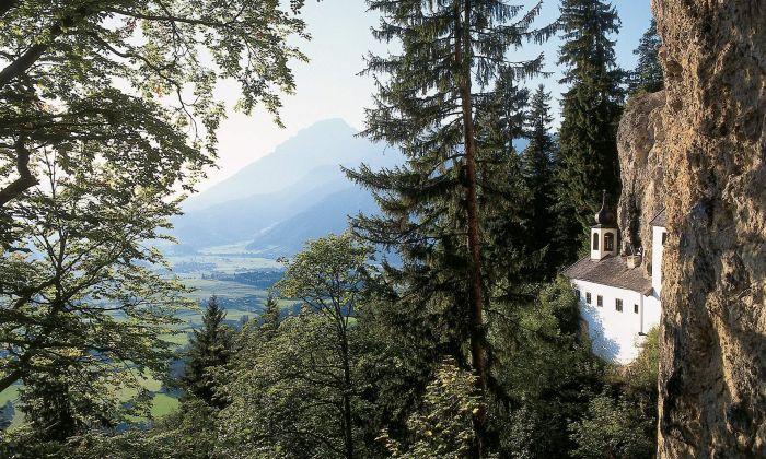 Belgian Man Lands His Dream Job At Austrian Cliffside Retreat (3 pics)