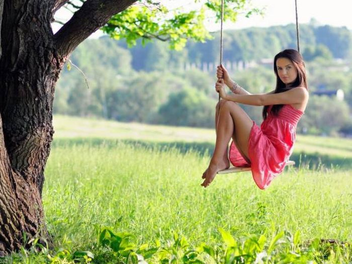 Sexy Swinging Girls That Will Sweep You Off Your Feet (28 pics)