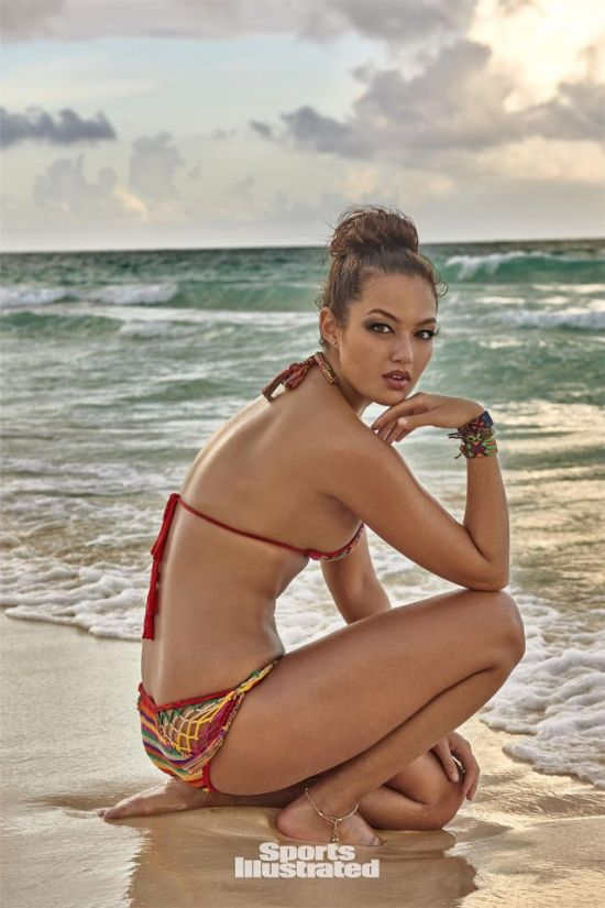 Mia King Shows Off Her Body For Sports Illustrated (11 pics)