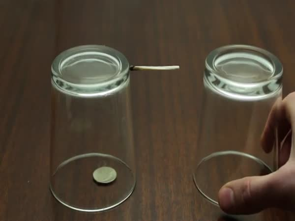 10 Awesome Bar Tricks You'll Always Win Free Drinks With