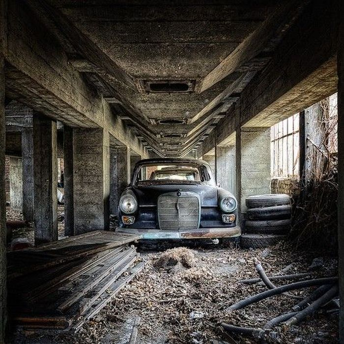 Chilling Photos From Abandoned Places Around The World (40 pics)