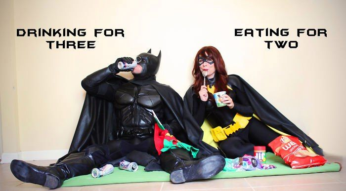Couple Uses Superhero Costumes To Make Hilarious Pregnancy Announcement (5 pics)