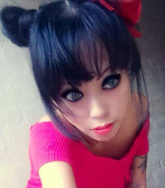 Girl Goes From Goth To Real Life Barbie Doll (22 pics)