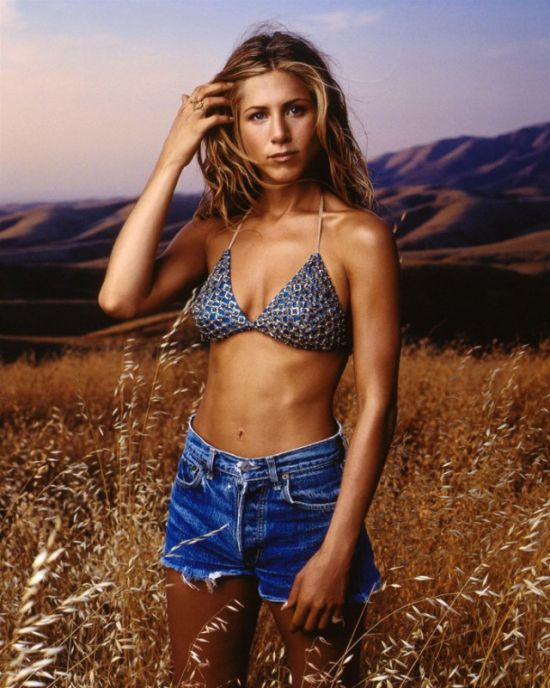 Hot Jennifer Aniston Throwback Pictures From 1998 (8 pics)