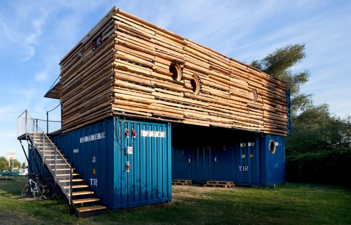Shipping Containers Can Be Used To Create Awesome Hotels (13 pics)
