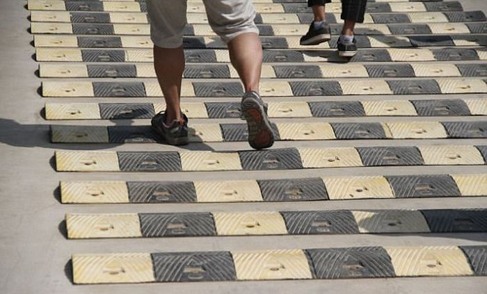 Chinese Tourist Attraction Adds Ridiculous Speed Bumps For Pedestrians (5 pics)
