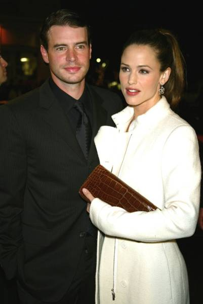 Famous Celebrities And Their Not So Famous Relationships (38 pics)