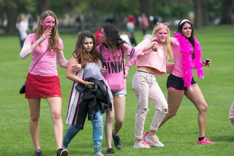 Students Of Cambridge Get Wild (31 pics)