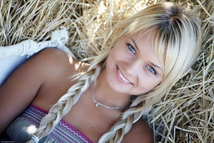 Beautiful Girls That Will Leave You Speechless (50 pics)