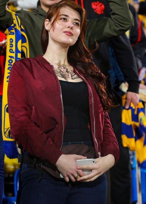 Sexy Russian Football Fans (35 pics)