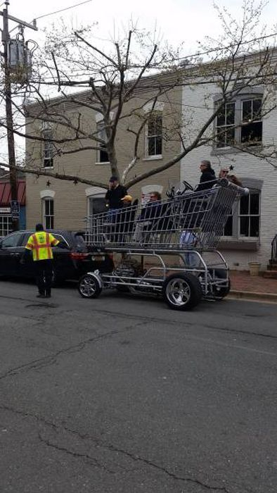 Men Are Always Up For Fun And Weird Stuff (47 pics)