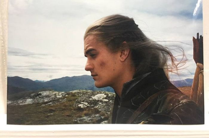 Orlando Bloom Shares Behind The Scenes Photos From The Lord Of The Rings (9 pics)