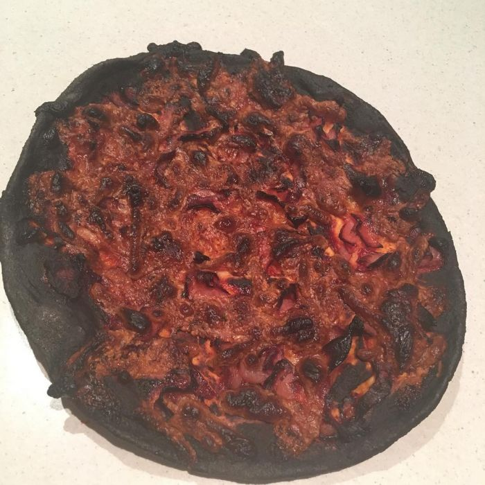 People Share Their Worst Pizza Delivery Fails (24 pics)
