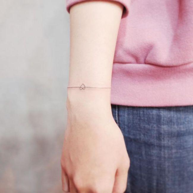 Tiny Tattoos For People Who Like Minimalism (30 pics)