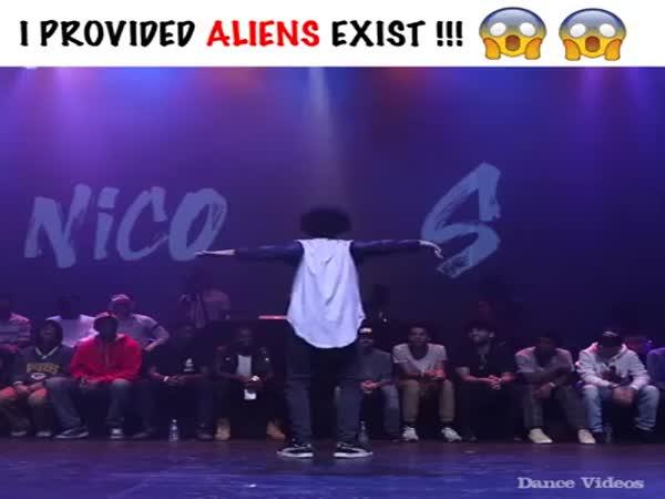 Dance Of A Flexible Guy