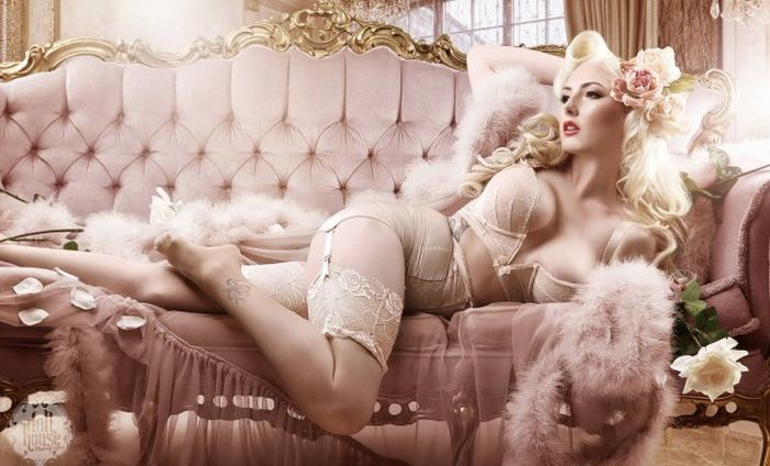 Burlesque Girls Are Total Babes (26 pics)